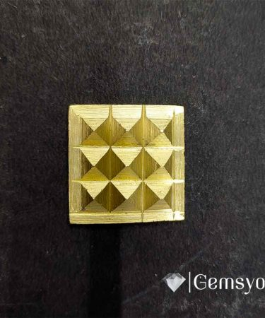 1_inch_brass_pyramid_chips