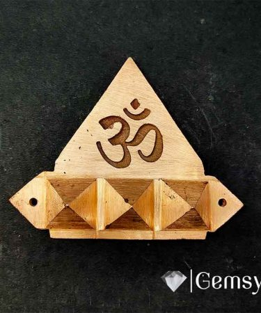 Om_pyramid_direction_copper_gemsyogi.com